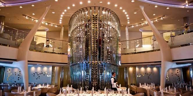 Uno de los salones del Allure of the seas, el barco más grande del mundo