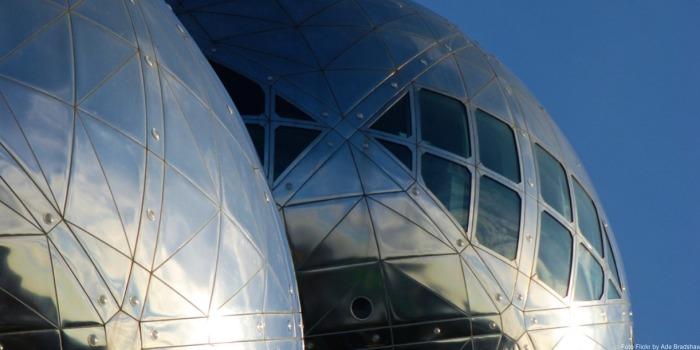 Un detalle del Atomium de Bruselas