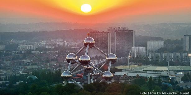 El Atomium de Bruselas al atardecer