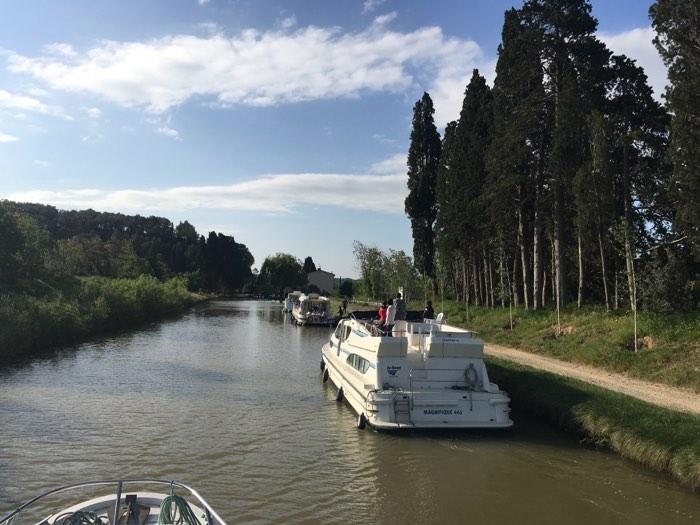 El canal en el que hicimos turismo fluvial con niños