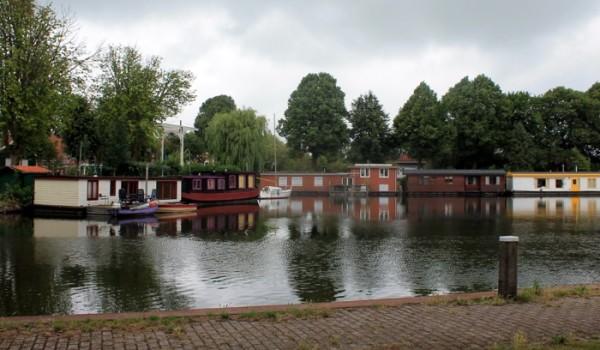 Las barcazas son una imagen típica de Holanda