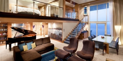 La visita virtual permite ver una de las suites del Allure of the seas