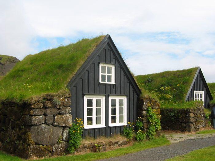 Cases típiques a la nostre ruta per Islàndia