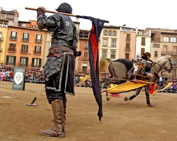 Una exhibició en el mercat medieval de vic