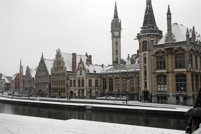 La ciudad de Gante en invierno