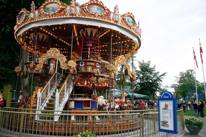 Atracció en el Tivoli que has de visitar al viatjar a Dinamarca amb nens