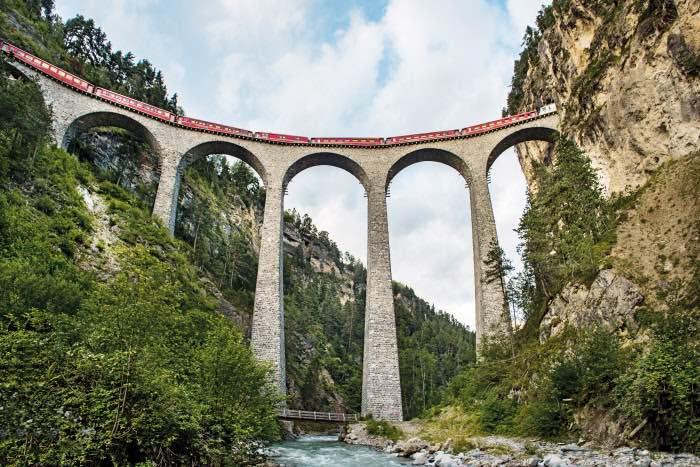 Uno de los puentes del Bernina Express