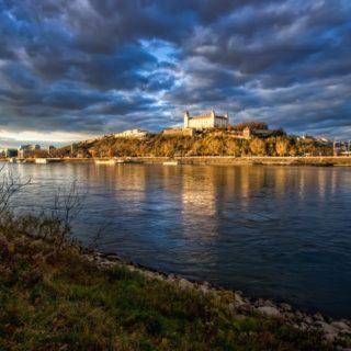 Bratislava en el Danubio