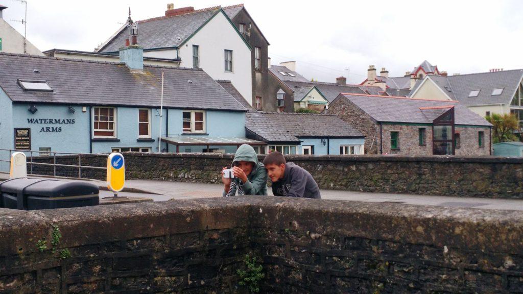 Una de les primeras fotos de los niños en Irlanda