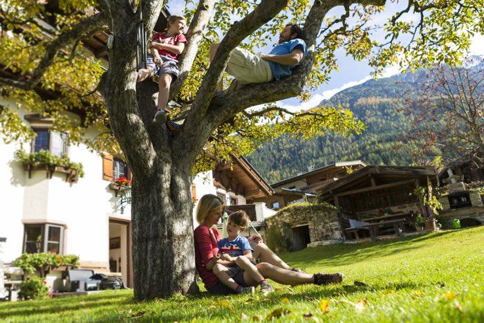 Familia en granges del Tirol