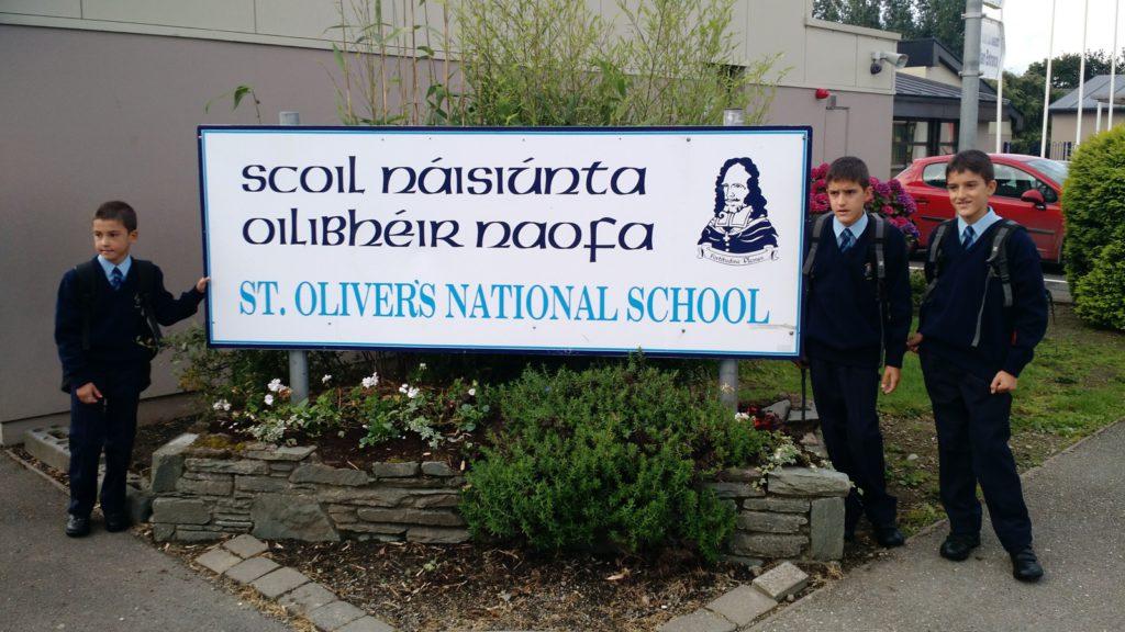 Primer dia de cole de los niños en Killarney