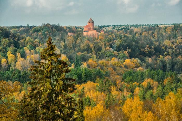 Sigulda, en Letonia, es la ciudad de los tres castillos