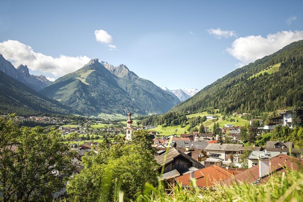 El poble de Fulpmes ofereix moltes activitats a la vall de Stubai